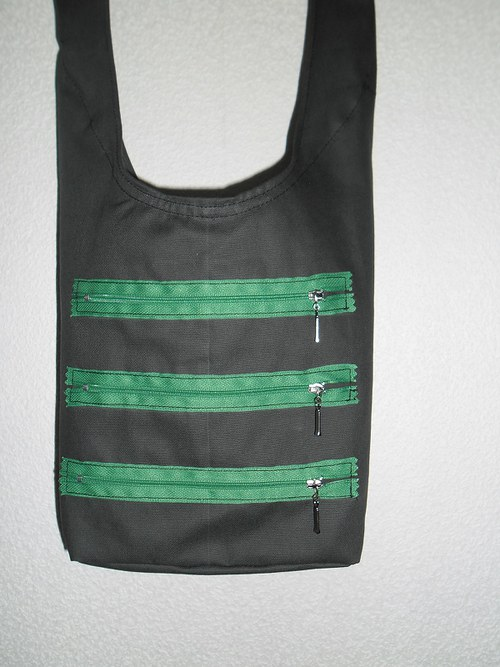 Zipová kaki taška přes rameno