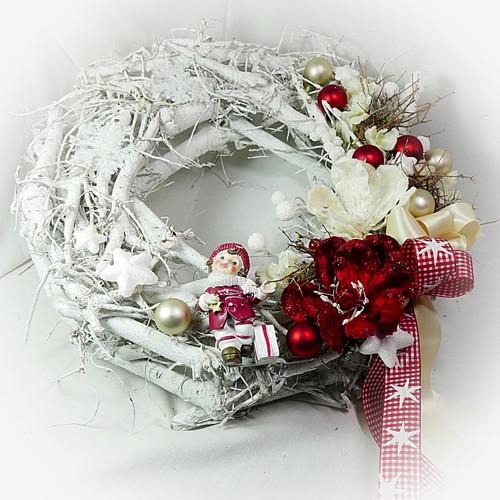 Vánoční věnec - Slavností  magnolie s holčičkou
