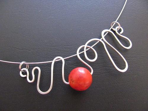 Korál ve vlnách - náhrdelník