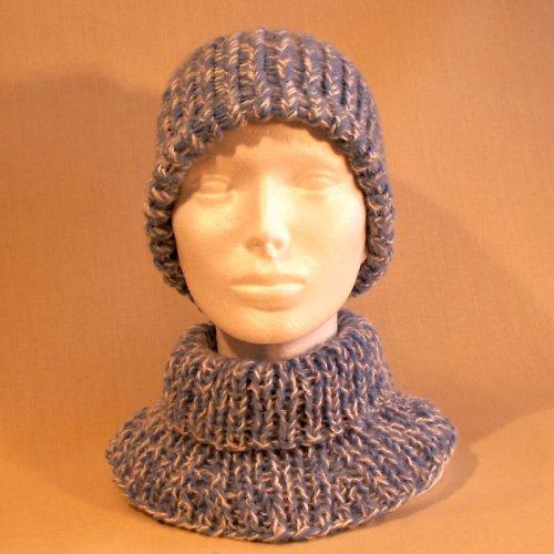 čepice pletená - modro bílá