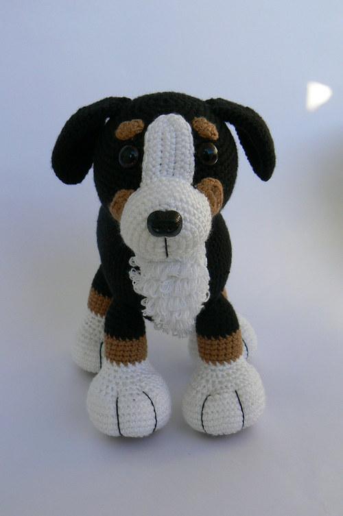 Návod na háčkovaného Bernského salašnického psa