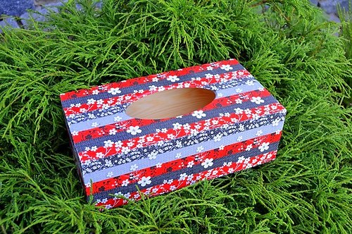 Krabička na kapesníky - kytičky na vínové