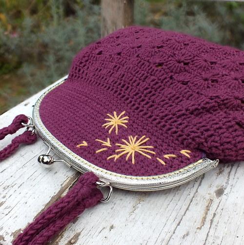 Lilková - háčkovaná kabelka s rámečkem