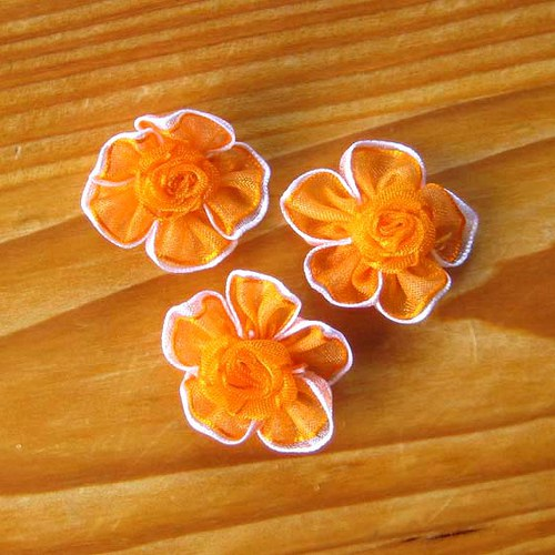 Saténová Růžička 25mm - Oranžová