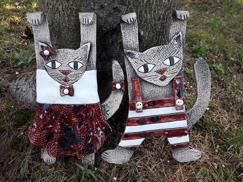 keramická kočka a kocour na zavěšení