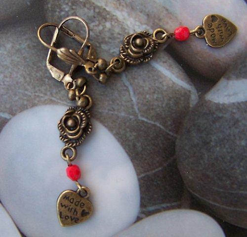 SLEVA Bronzové náušnice růže se srdíčkem