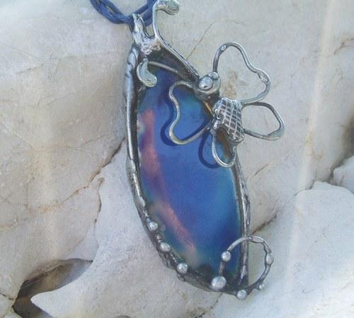 cínovaný šperk MODRÝ MOTÝL