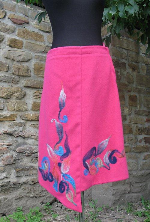 Ružová zaplstená sukňa