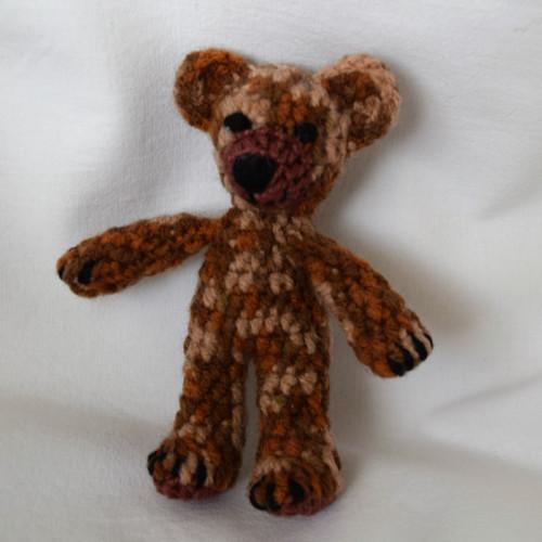 Háčkovaný medvídek žíhaný