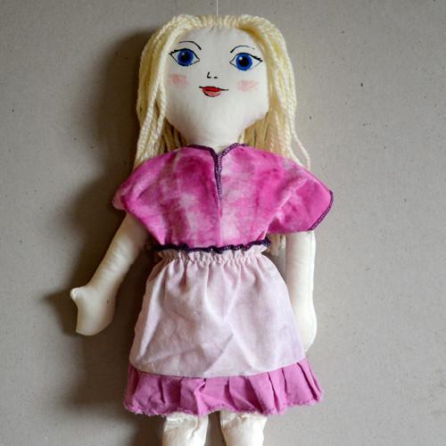 oblečení pro panenku - tričko a sukýnka