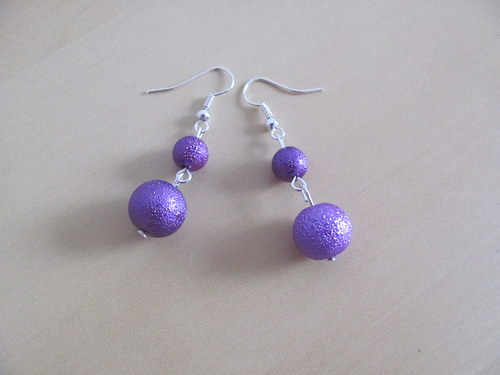 Vroubkované perly fialové