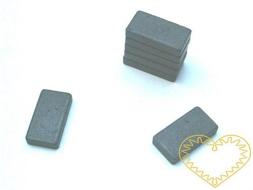 Magnet obdélný - 15 x 28 mm - sada 3 kusů