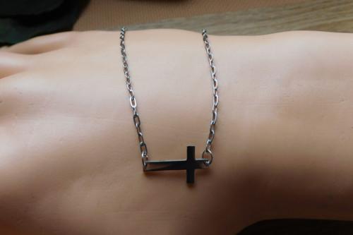 Náramek - Nerezový křížek  naležato.....