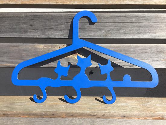 Modré kočky ramínko