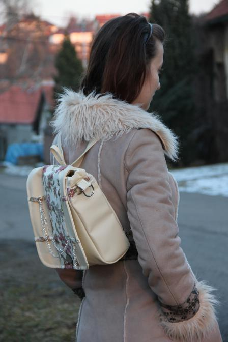 batoh na mladé dámě