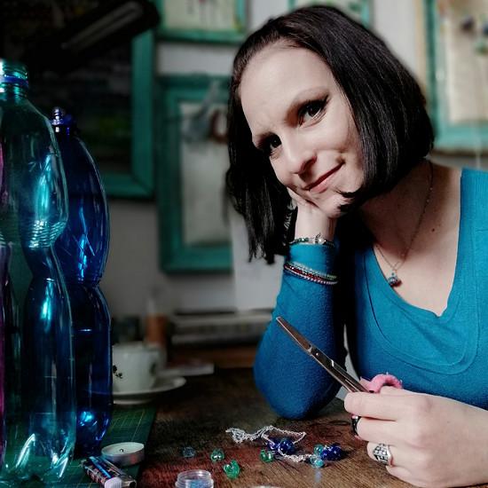šperky náušnice z PET lahví listopadky