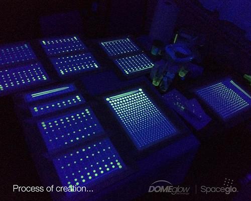 Proces ruční výroby svítících hvězdiček na strop