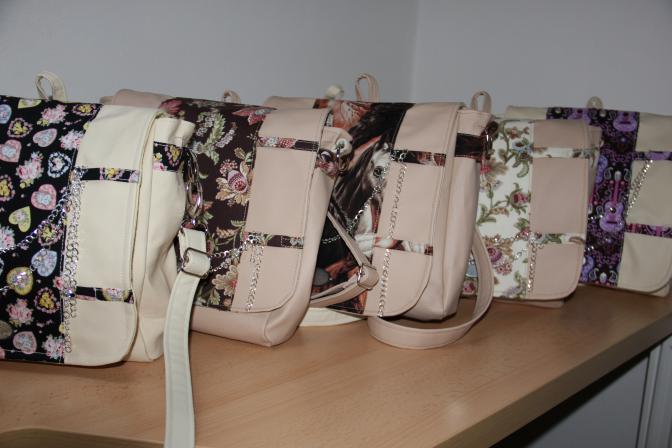 první kabelky - batohy