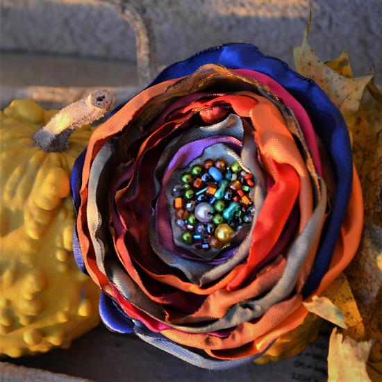 Květinová brož Adriana